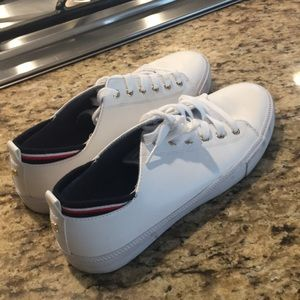 Tommy Hillfiger white leather Tennis shoes